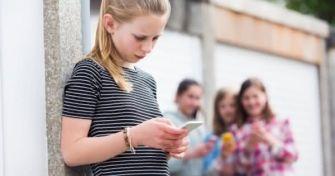Cybermobbing unter Kindern und Jugendlichen - Schattenseite der virtuellen Welt | apomio Gesundheitsblog