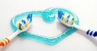 Schöne Zähne: Fluorid in Zahnpasta | apomio Gesundheitsblog